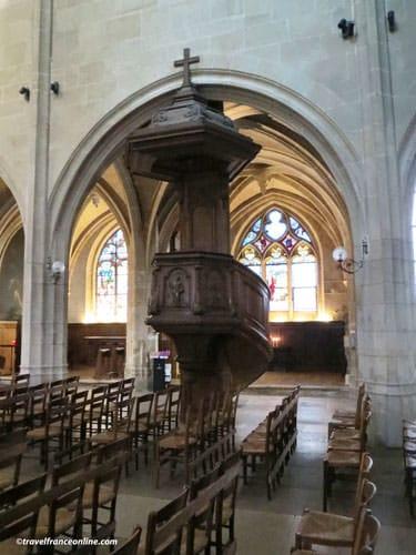 Saint-Medard Church - pulpit