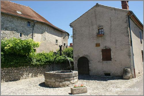 Ancient well in Charroux