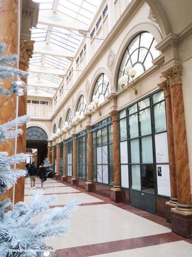 Galerie Colbert - Former shops windows