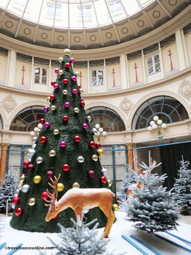 Galerie Colbert - Christmas decoration in the rotunda