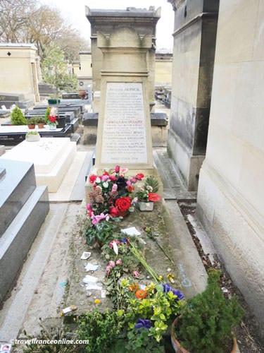 Montparnasse Cemetery - Charles Baudelaire's grave