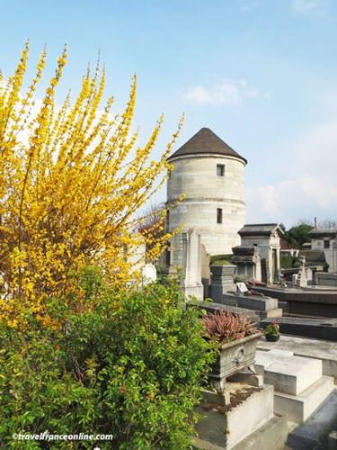 Montparnasse Cemetery - Moulin de la Charité