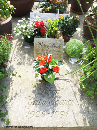 Montparnasse Cemetery - Serge Gainsbourg's grave
