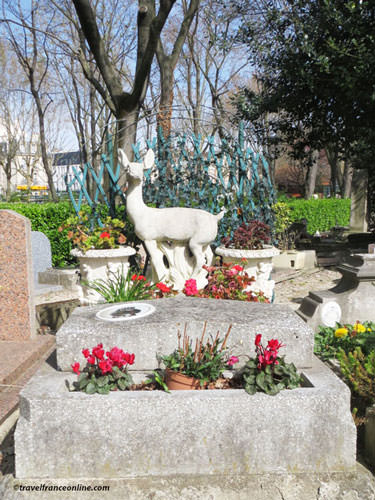 Cimetiere des Chiens - A cemetery for all pets