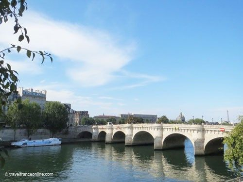 Pont-Neuf seen from upstream