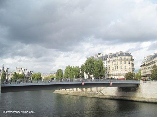 Pont Saint-Louis footbridge