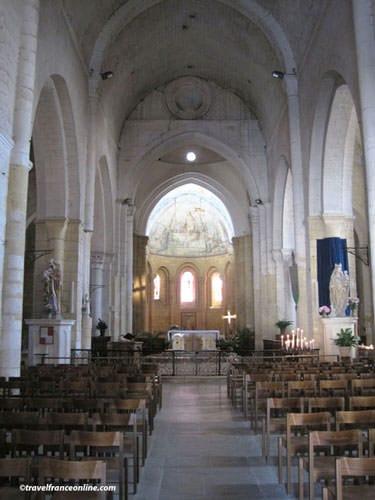 Abbaye de Cadouin - church interior