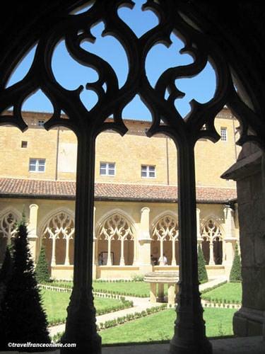 Abbaye de Cadouin - Cloister