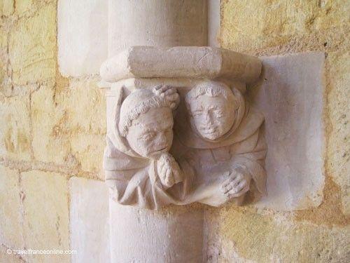 Abbaye de Cadouin - Sculpted columns