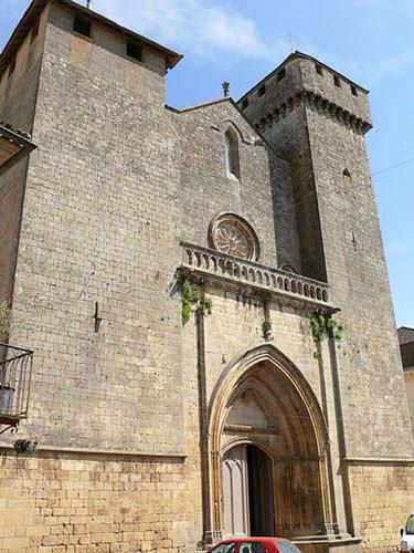 Eglise St. Laurent et St. Front de Beaumont du Perigord