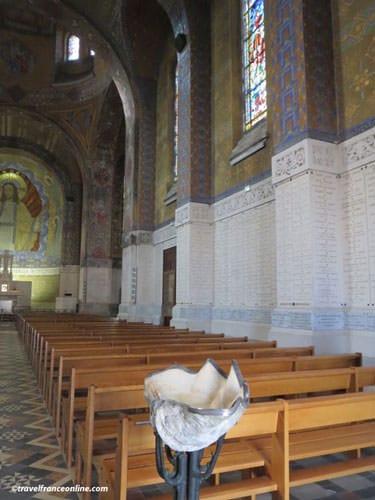 National Military Cemetery Notre Dame de Lorette - Commemorative plates on the walls
