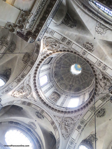 Saint-Paul Saint-Louis Church cupolas