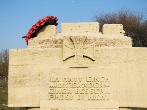 Neuville-Saint-Vaast German War Cemetery - Epitaph on the Hanover Monument