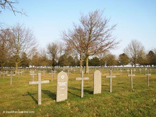 Neuville-Saint-Vaast German War Cemetery - German and Jewish graves
