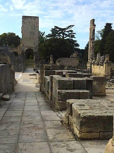 Excavation - Arles theatre