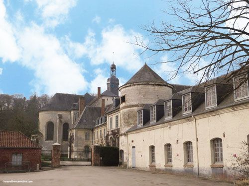 Abbaye de Valloires - Church and 16th century dovecote