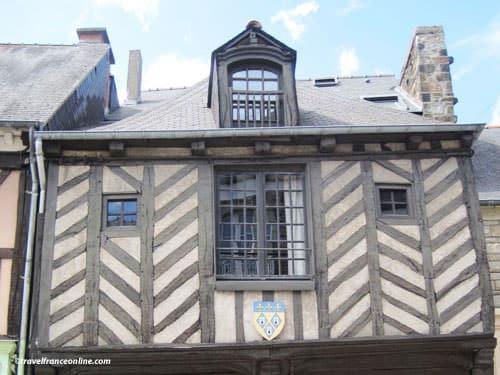 Dol de Bretagne - La Rose Rouge at no17 Rue Le Jamptel