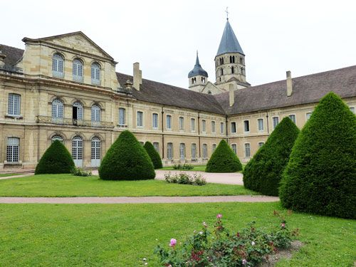 Abbaye de Cluny - 18th century buildings