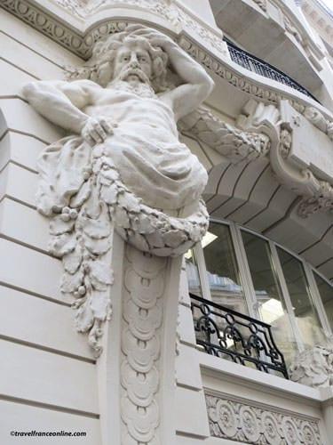 Atlantes Engaines - 45 rue Saint-Roch - The Age of Retirement