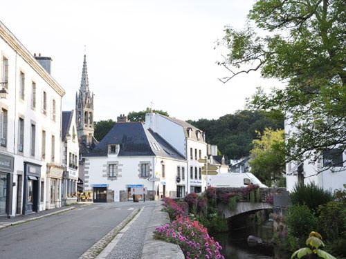 Pont-Aven Church and river