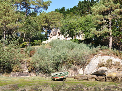 A traditional Breton house on the banks of the Aven in Brittany