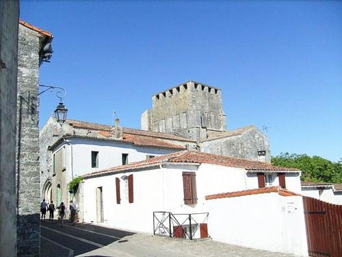 Eglise Saint-Pierre de Mornac