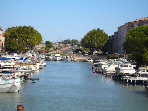 Canal du Rhône in Beaucaire