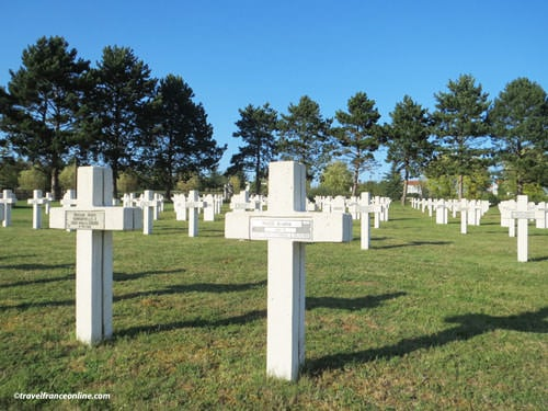 Saint-Quentin National Necropolis French graves