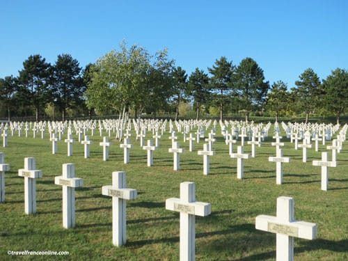 Saint-Quentin National Necropolis - French Soldiers' graves