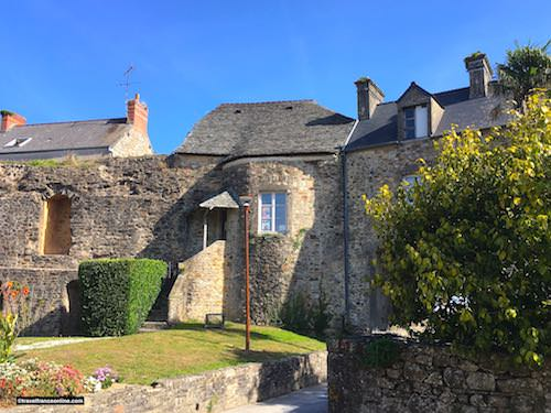 Chateau de Bricquebec - 19th century dwelling in medieval tower