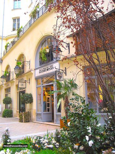 Le Village Royal - Chanel boutique