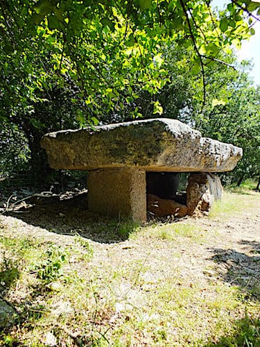 Dolmen de la Pierre Martine in Livernon - Lot