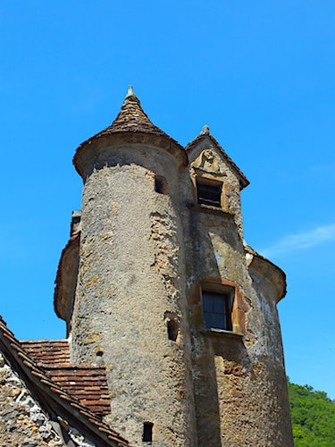 Chateau de Limargue in Autoire - Dovecote and coat-of-arms