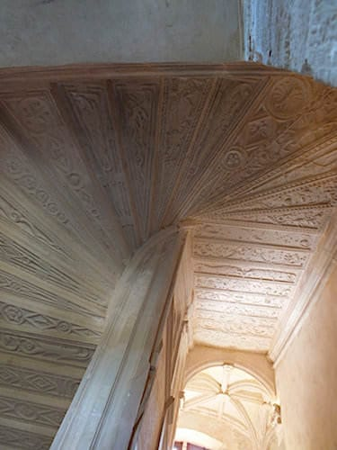 Chateau de Montal - Grand staircase with its steps' sculpted backs