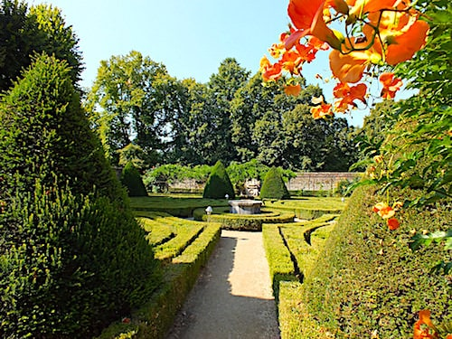Chateau de Montal - Formal garden