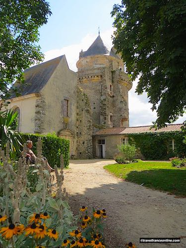 Castle of Apremont - chapel and tower