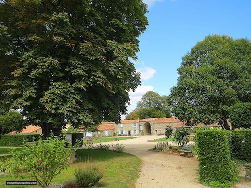 Castle of Apremont - chatelet and park