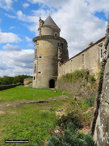 Castle of Apremont's west tower overlooking the Vie river
