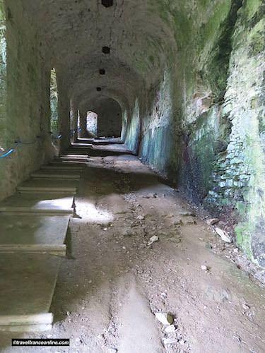 Castle of Apremont riders access ramp