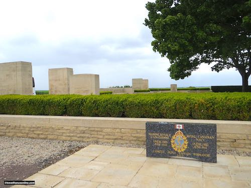Beny-sur-mer Canadian war cemetery - Commemorative slab by entrance