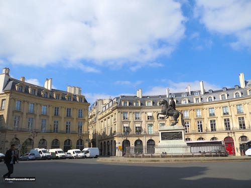 Place des Victoires and equestrian statue of Louis XIV