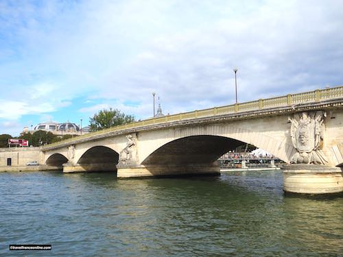 Pont des Invalides downstream side