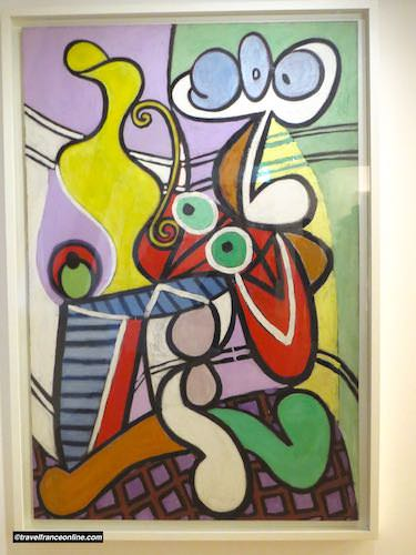 Hotel Sale - Picasso Museum - Still life on a pedestal - 1913/14