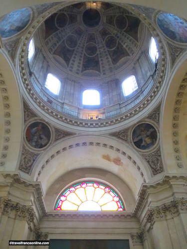 Sorbonne Chapel - Cupola, medallions and sculpted friezes