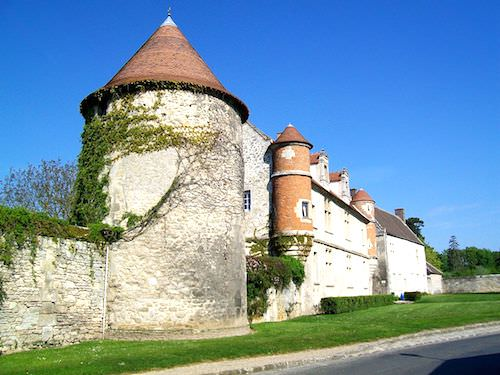 Chateau de Raray manor-house and dovecote