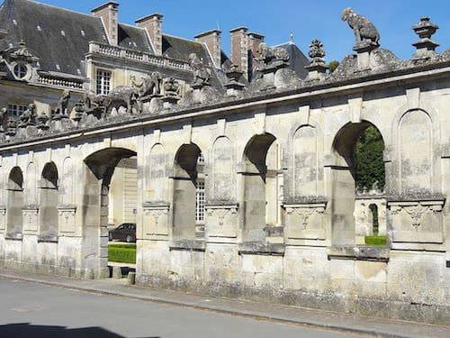Chateau de Raray - listed south balustrade