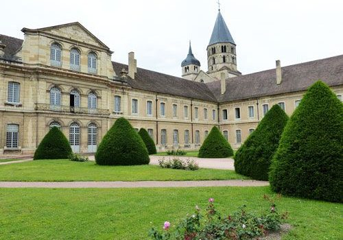 Abbaye de Cluny - 18th century buildings