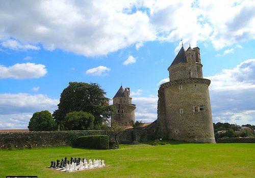 Apremont castle and park