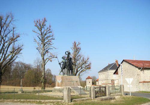 Monument des Marie-Louise at the farm of Hurtebise - Chemin des Dames