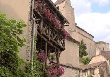 Saint Cirq Lapopie - Medieval houses and church